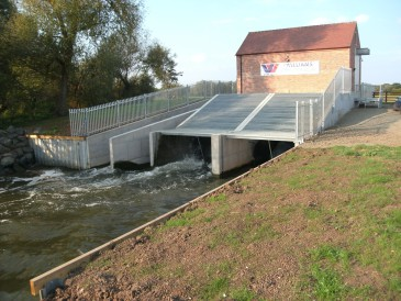 renewables first - pershore weir hydro scheme commissioned